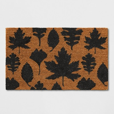 1'6 x2'6  Leaf Tufted Doormat Black - Threshold™