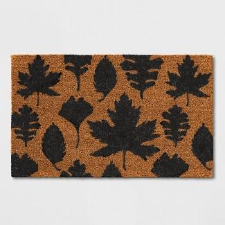 "16""x26"" Leaf Tufted Doormat Black - Threshold™"