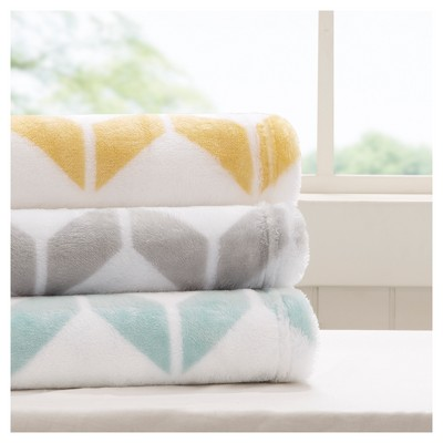 Gray Geometric Throw Blankets ( 60x70 )