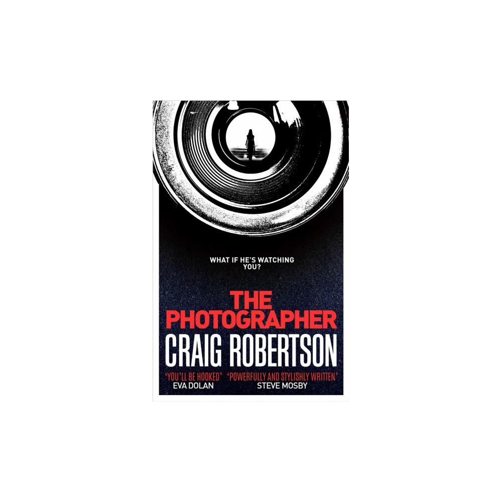 Photographer (Paperback) (Craig Robertson)