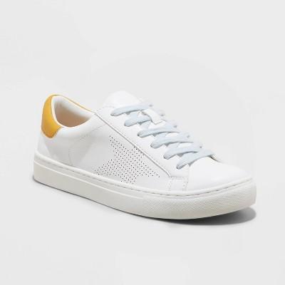 Women's Cadey Sneakers - Universal Thread™