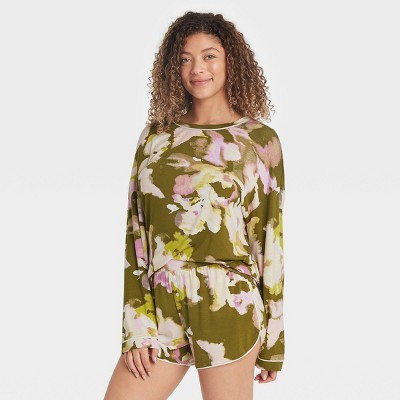 Women's Floral Print Beautifully Soft Long Sleeve Top and Shorts Pajama Set - Stars Above™ Green