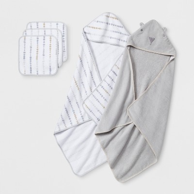 Baby's Bear Towel and Washcloth Set - Cloud Island™ Gray One Size