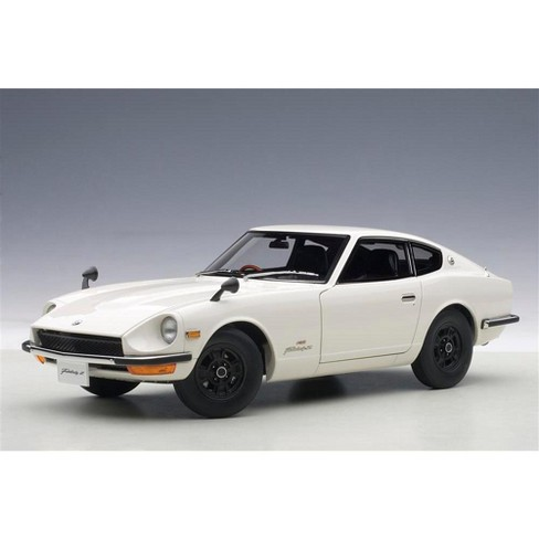 1969 Nissan Fairlady Z432 (PS30) White 1/18 Diecast Model Car by AutoArt - image 1 of 4