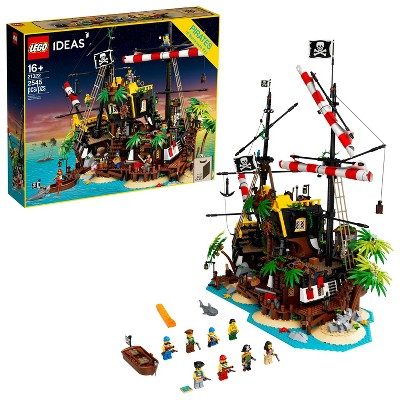 LEGO Ideas Pirates of Barracuda Bay Pirate Shipwreck Kit for Play and Display 21322