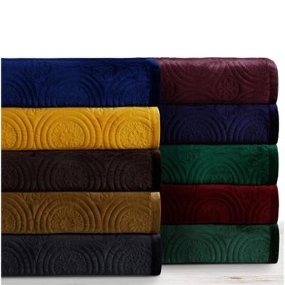 Capri Medallion Velvet Oversized Solid Quilt Set - Tribeca Living