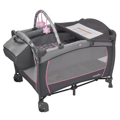 Evenflo Portable BabySuite Deluxe - Poppy
