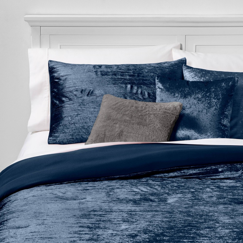 Image of Full/Queen Cortina Crinkle Velvet 5pc Bed Set Indigo, Blue