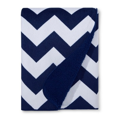 Plush Velboa Baby Blanket Chevron - Cloud Island™ - Navy