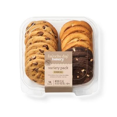 Variety Pack Cookies - 22.4oz/16ct - Favorite Day™