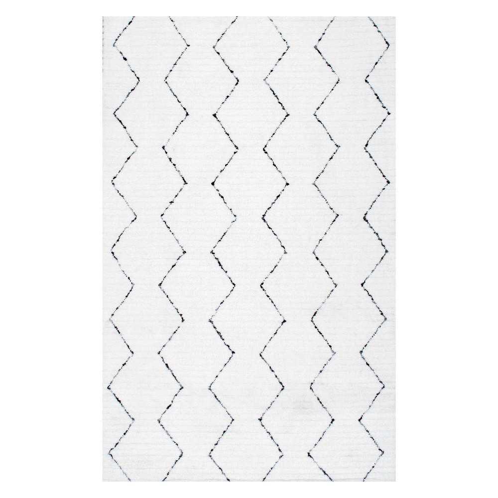 4'X6' Abstract Tufted Area Rug White - nuLOOM