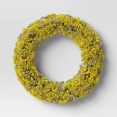 "17"" Artificial Hypericum Berry Wreath - Threshold™"