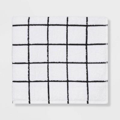 Everyday Grid Bath Towel Black/White - Room Essentials™
