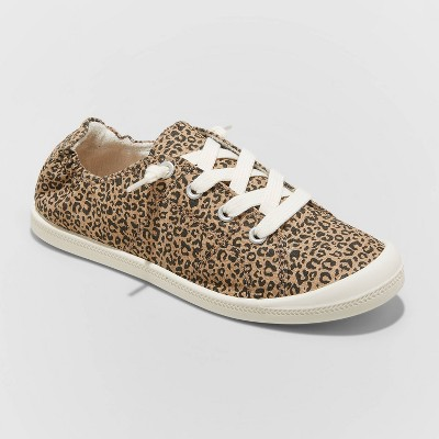 Women's Mad Love Lennie Lace Up Canvas Sneakers