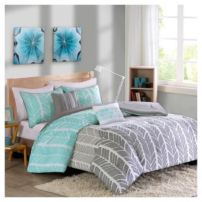 Amanda Feather Chervon Print Comforter Set