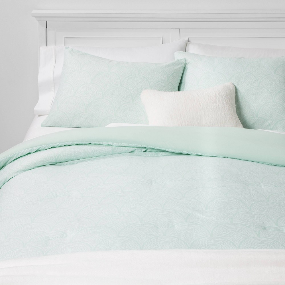 Twin/Twin Extra Long Scallop Print Bed in a Bag Green - Room Essentials