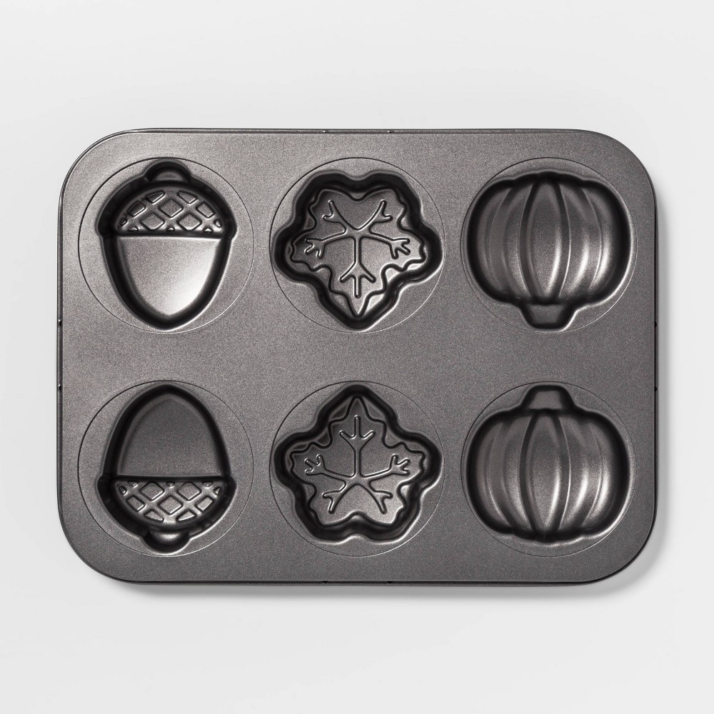 """Image of """"13.8"""""""" x 10.5"""""""" Steel Fall Shapes Cakelette Pan Silver - Threshold"""""""