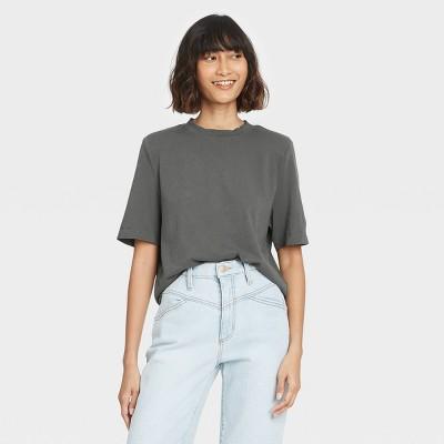Women's Short Sleeve Crewneck Padded Shoulder T-Shirt - Universal Thread™