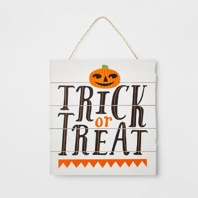 Trick or Treat Halloween Wood Wall Sign White - Hyde and Eek! Boutique™