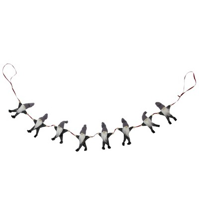 """Northlight 3.5' x 4.5"""" Unlit Gray and White Buttoned Up Gnome Chain Christmas Garland"""