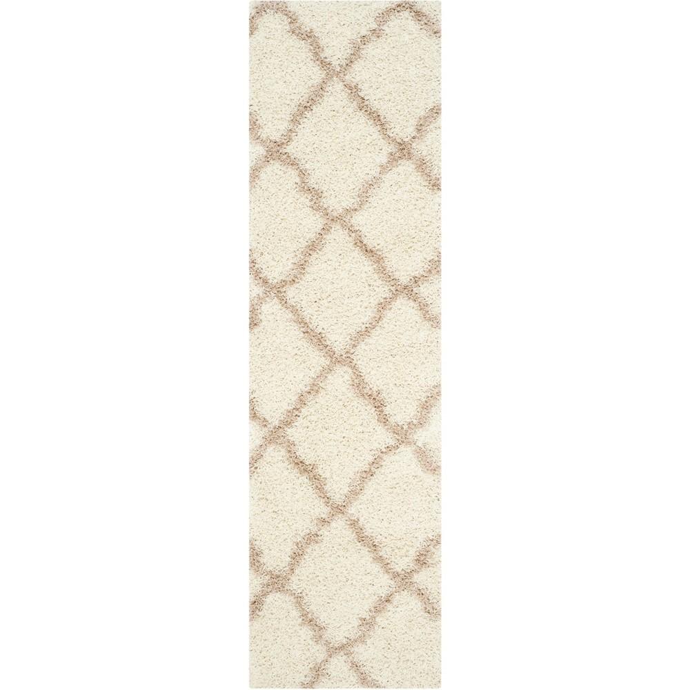 2'3X6' Quatrefoil Design Loomed Runner Ivory/Beige - Safavieh