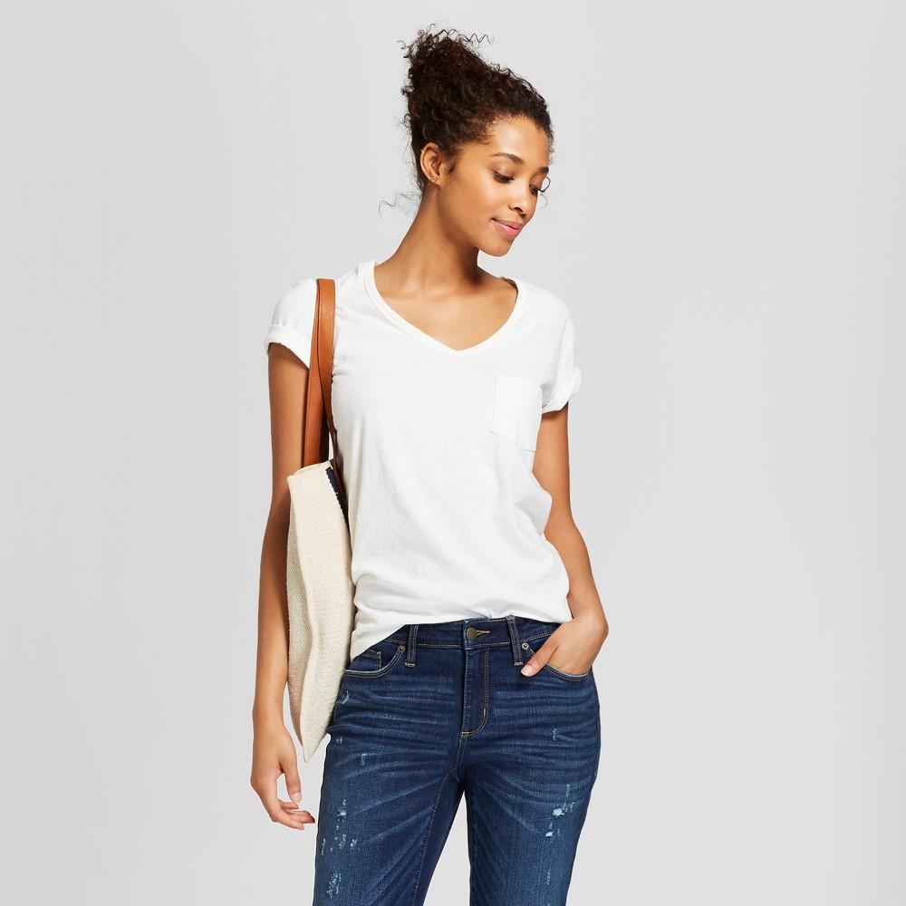 Women's Sensory Friendly Pocket V-Neck Short Sleeve T-Shirt - Universal Thread White Xxl