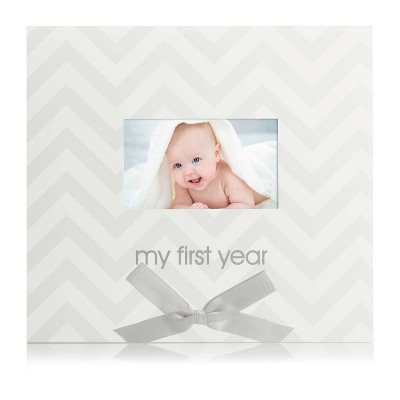 Pearhead First Year Calendar - Gray Chevron