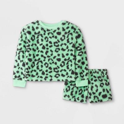 Girls' Cozy Animal Print Sherpa Pajama Set - art class™ Mint Green