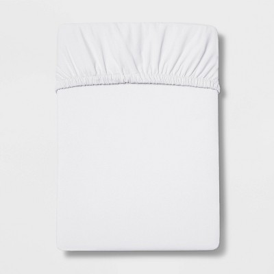 Queen 300 Thread Count Ultra Soft Fitted Sheet White - Threshold™