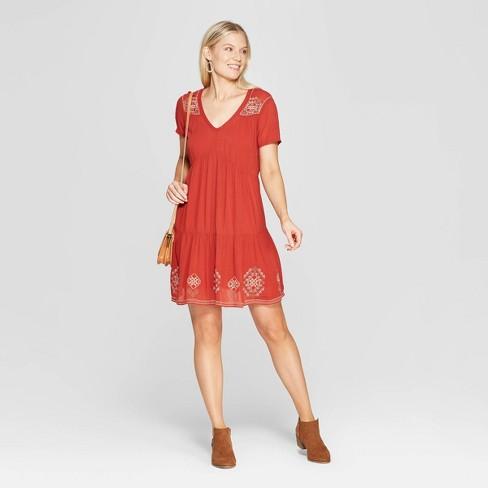 d7c8beebff Women s Short Sleeve V-Neck Shift Midi Dress With Embroidery - Knox Rose™  Hematite
