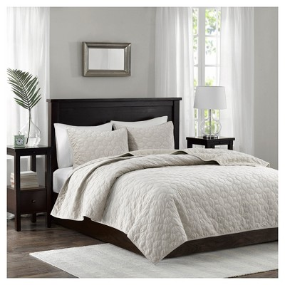 Ivory Mercer Polyester Velvet Quilt Set (King/California King)