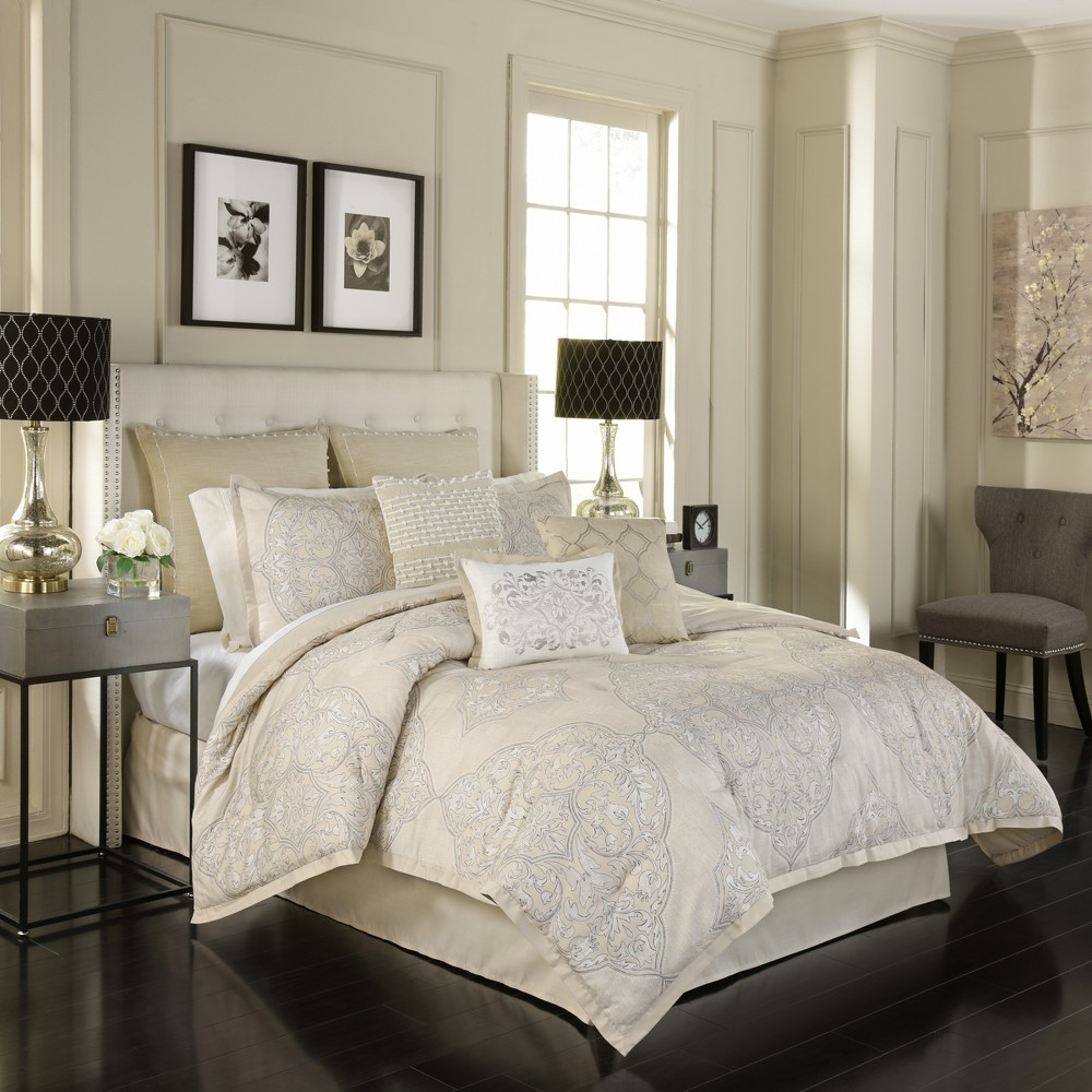 Image of 4pc King Medallion Pemberly Comforter Set Beige - Beautyrest