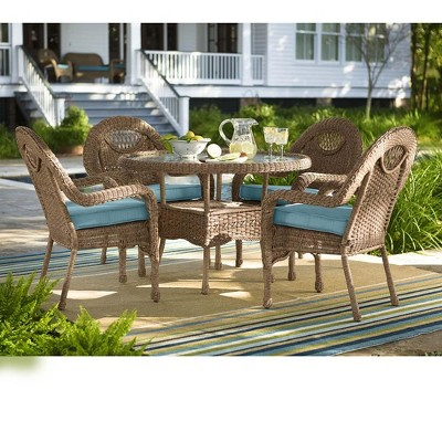 Prospect Hill Wicker Round Dining Table And 4 Chairs Set   Plow U0026 Hearth