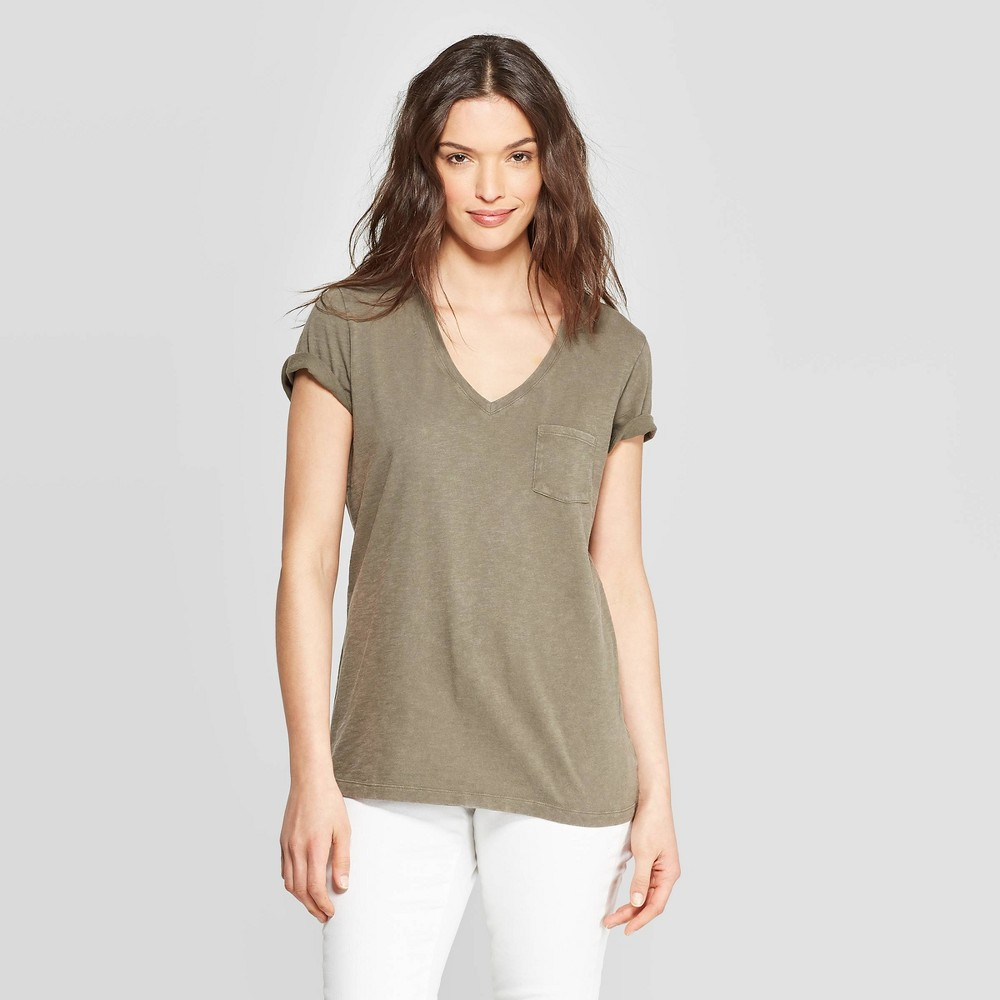 Women's Monterey Pocket V-Neck Short Sleeve T-Shirt - Universal Thread Olive (Green) XS
