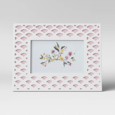 """4"""" x 6"""" Layered Scalloped Wood Frame with opening Pink - Threshold™"""