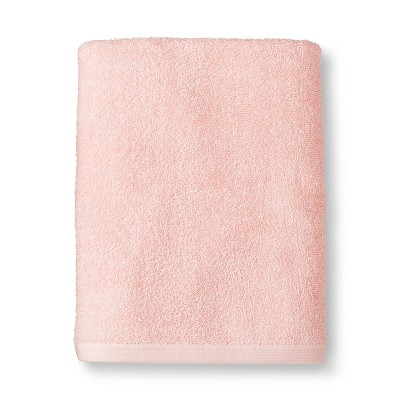 Everyday Solid Bath Towel Light Pink - Room Essentials™