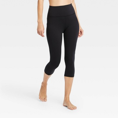 "Women's Contour Curvy High-Waisted Capri Leggings with Power Waist 20"" - All in Motion™ Black XS"
