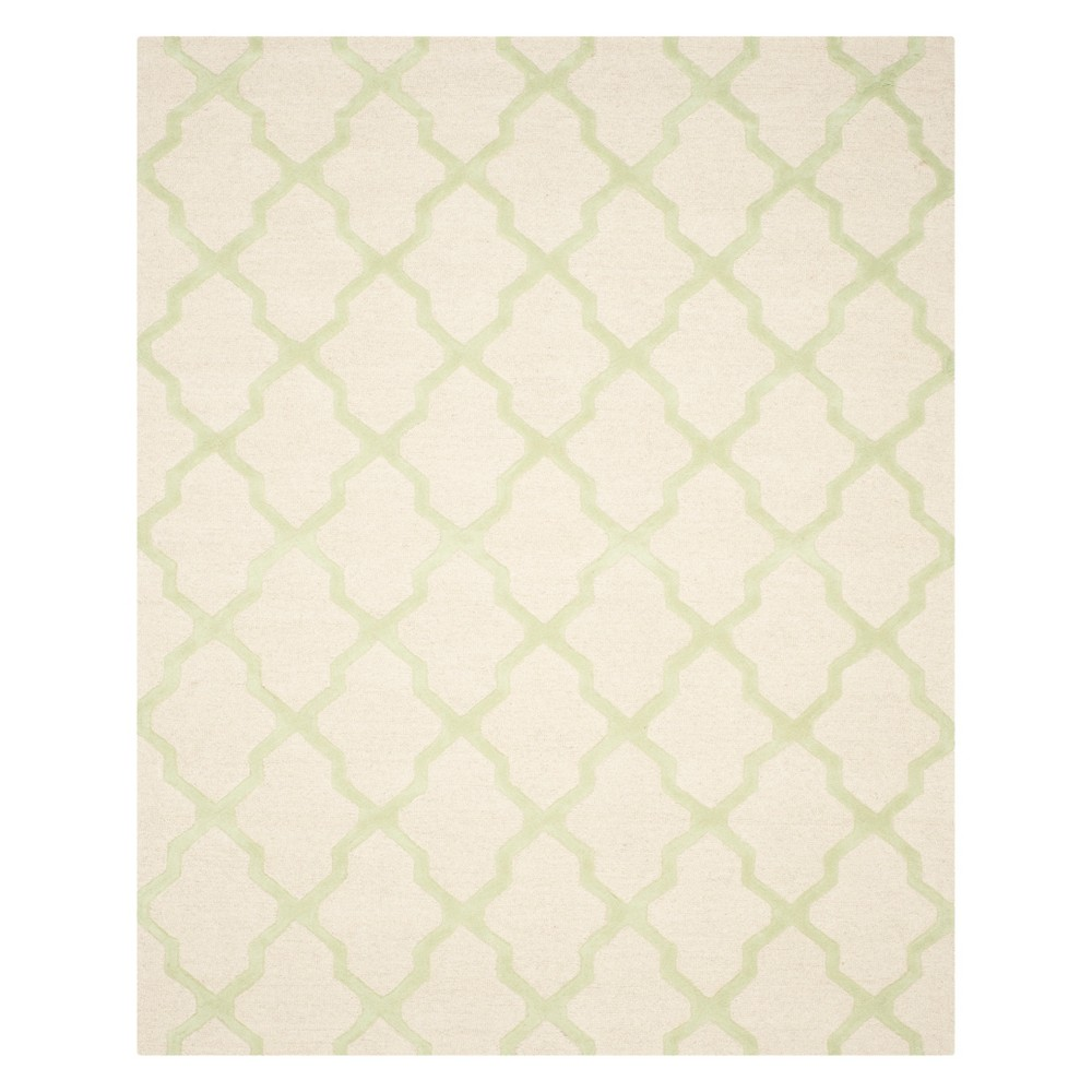 9'X12' Quatrefoil Design Area Rug Ivory/Light Green - Safavieh