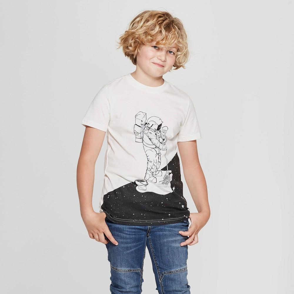 Boys' Short Sleeve Astronaut Graphic T-Shirt - Cat & Jack White L