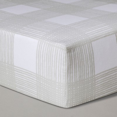 Crib Fitted Sheet Sketchy Plaid - Cloud Island™ Gray