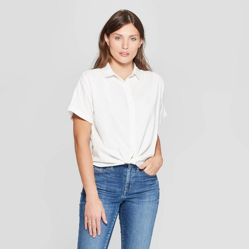 4cfe87faafb1f7 And shorts that are high waisted and easy to move in are top on my list.  Love pairing these shorts with a white button down ...