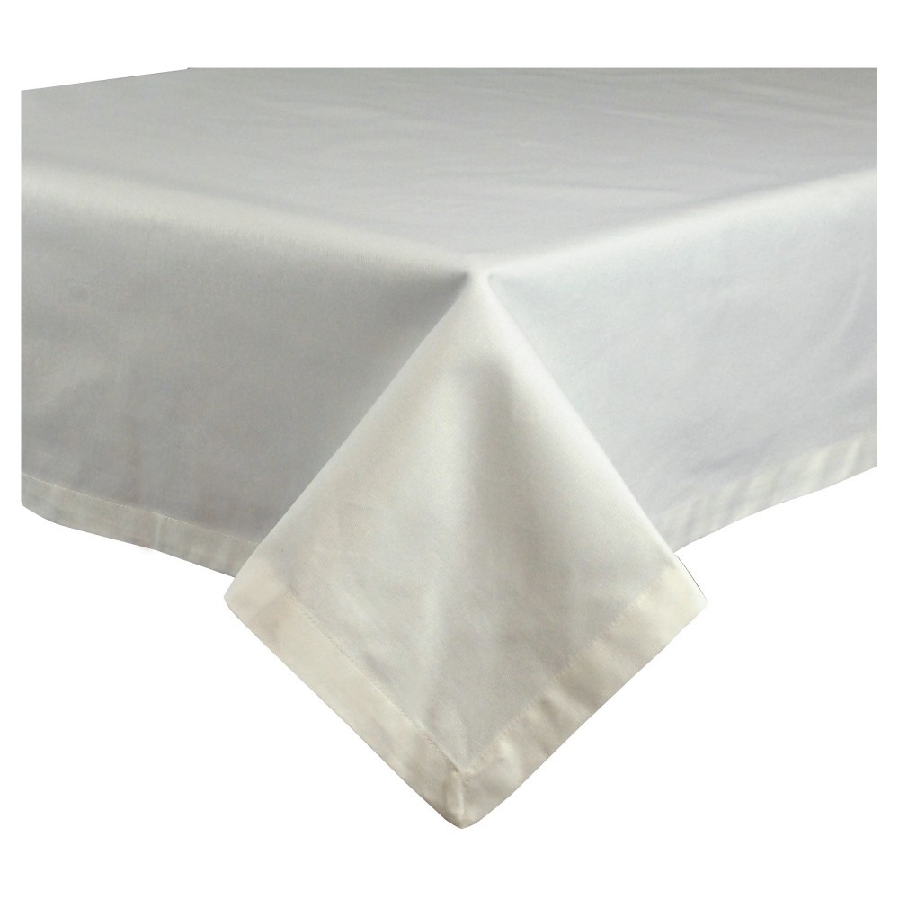 "Image of ""102""""x60"""" Restaurant Quality Tablecloth White - Design Imports"""
