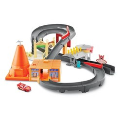 Disney Pixar Cars Race Around Radiator Springs Playset