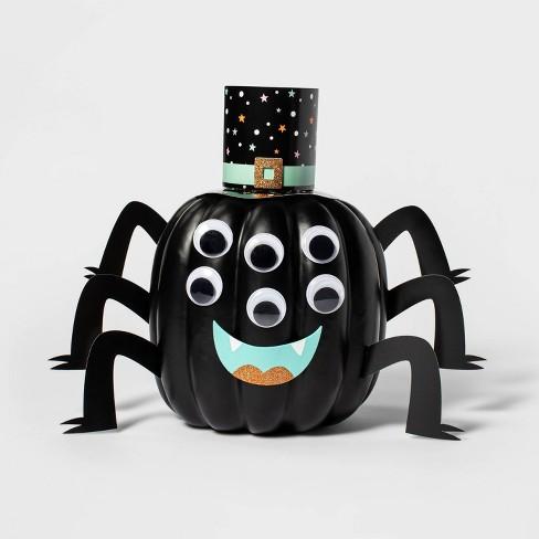 Spider Halloween Pumpkin Decorating Kit - Hyde & EEK! Boutique™ - image 1 of 3