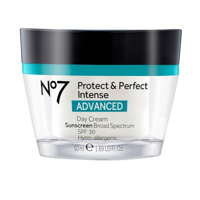 Facial Moisturizer: No7 Protect & Perfect Intense Advanced Day Cream
