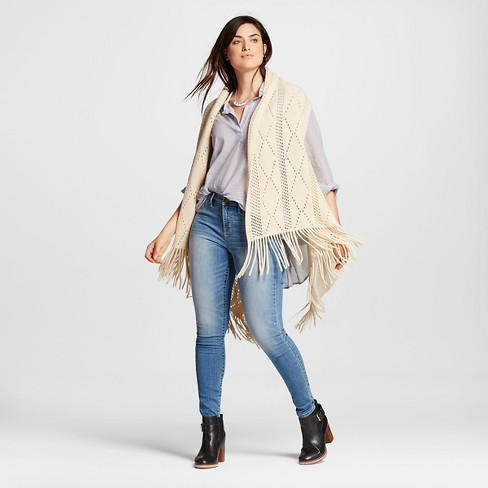 Women's Knit Vest with Fringe - image 1 of 2