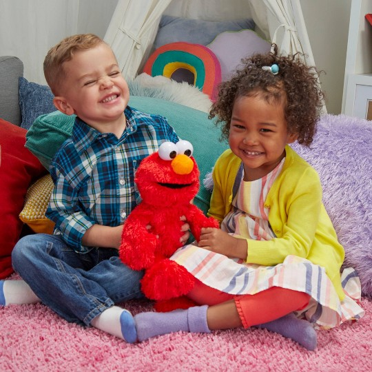 Sesame Street Love to Hug Elmo Plush image number null