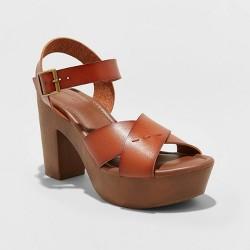 Women's Estella Faux Leather Wood Bottom Crossband Heel Pumps - Universal Thread™