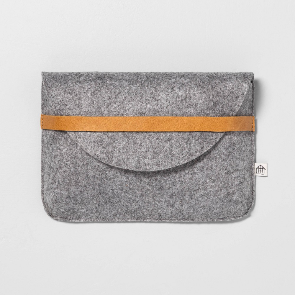 Image of Clutch Heather Gray - Hearth & Hand with Magnolia, Size: Small, Brown Gray
