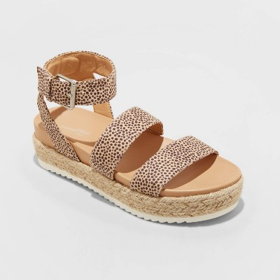 Women's Annie Platform Sandals - Universal Thread™